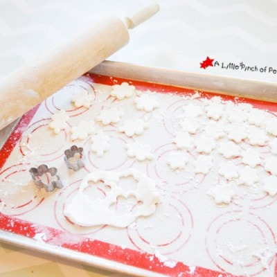 Microwaveable Marshmallow Fondant Recipe to Make Cute Food with Kids