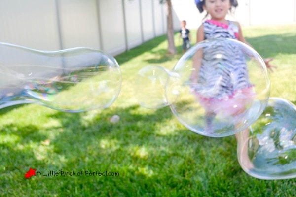 Homemade Bouncing Bubbles Recipe: Make bubbles to bounce with a glove (NO GLYCERIN OR CORN SYRUP BUBBLE RECIPE)