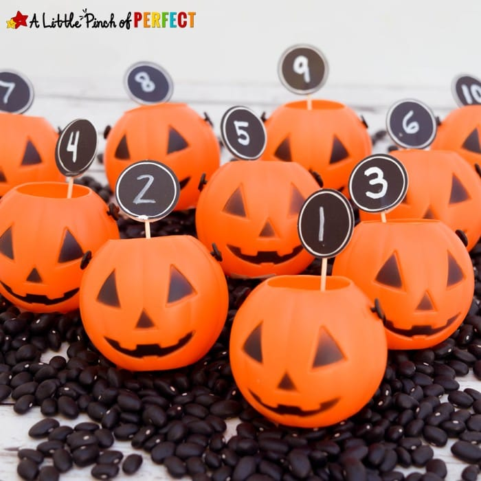 Halloween Mini Pumpkin Counting Math Time with Kids: This activity is easy to set up and you can adapt it for different ages and abilities so anyone can count along. (preschool, kindergarten, October)
