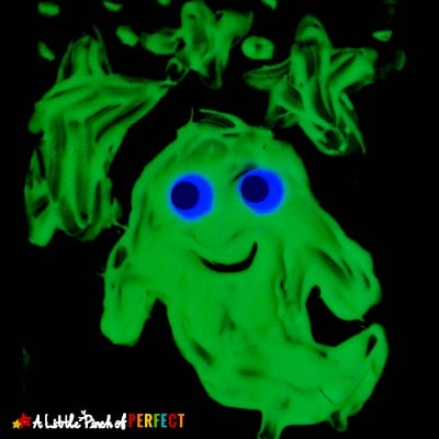 Glow in the Dark Puffy Paint Ghost Craft and Template