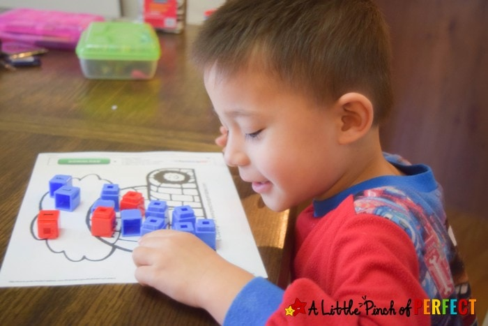 Children can have fun learning the letter I with our I is for Igloo crafts, activities, and free printables (#winter, #arctic, #preschool)
