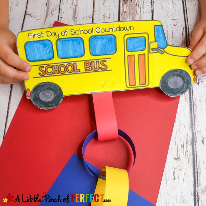 School Bus Countdown: Back to School Craft and Free Template (#backtoschool #craftsforkids #papercrafting #kidsactivities)