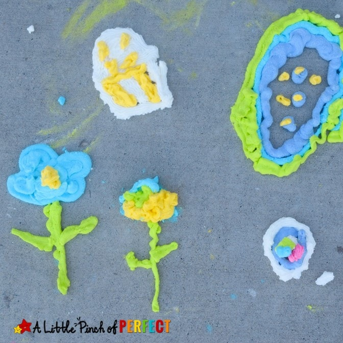 How to make Sidewalk Puffy Paint that's extremely puffy, colorful, and perfect for outside art with the kids! (#kidsactivity #funforkids #kidscraft #preschool)