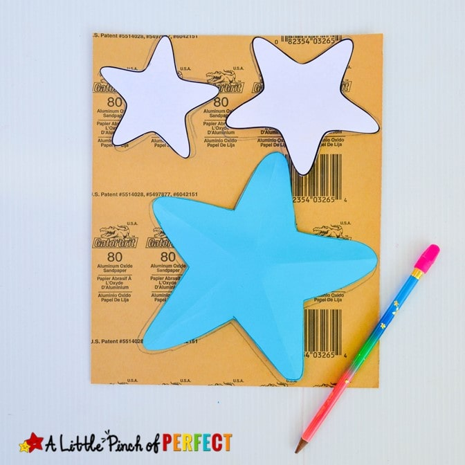 Kids can make a textured starfish craft that pops out to look like the real thing using our free craft template. (#summercraft #kidscraft #craft #starfish #printable)