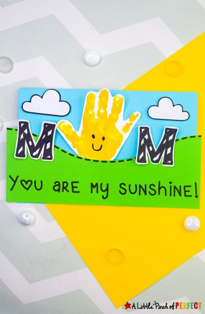 "Print the free ""You are my Sunshine"" template, make a handprint with your child, and create a card that Mom will love this Mother's Day. #card #mothersday #mothersdaycraft #youaremysunshine #handprintcraft #preschool #kidscraft"