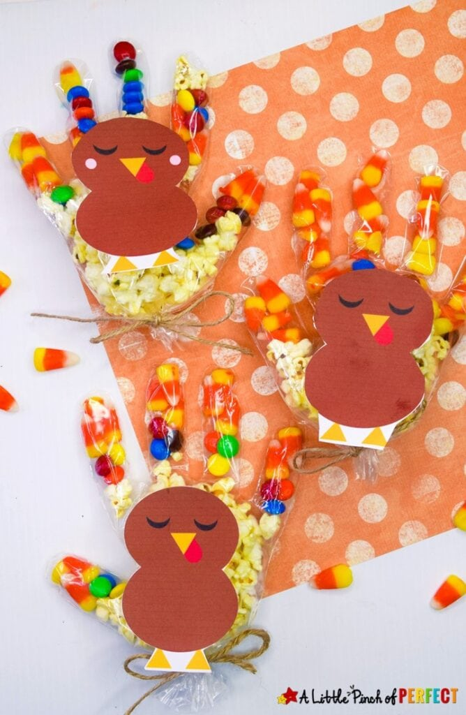 Thanksgiving Turkey Treat Bags for Kids and Free Template: Kids will love making or receiving a cute Thanksgiving Turkey treat bag full of goodies they will gobble up. They can be made by kids using gloves during craft time or given out as a Thanksgiving party bag. (#Thanksgiving #kidsactivity #giftbag #craft)