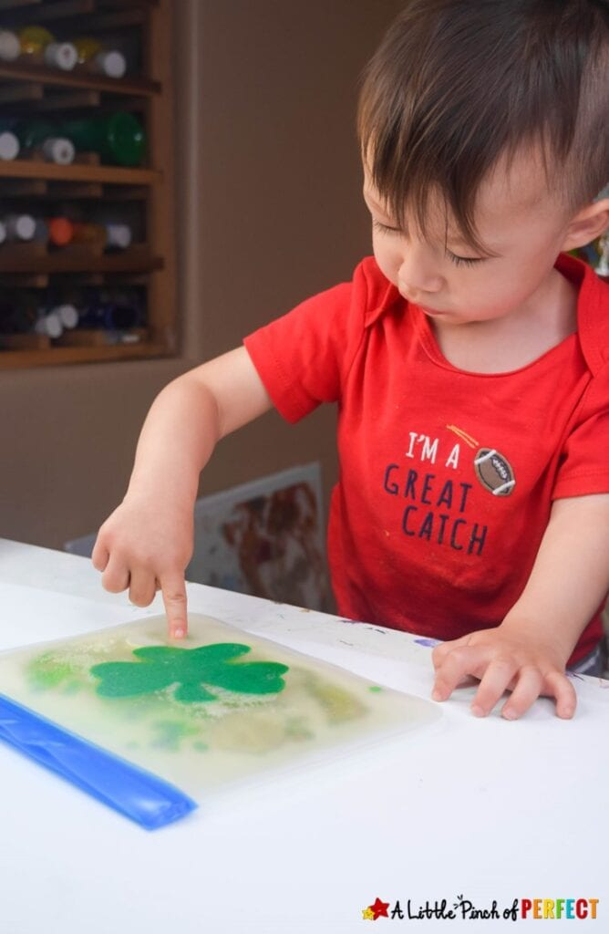 Make an irresistibly fun St. Patrick's Day sensory bag for kids to play with with following our easy directions. #preschool, #Sensoryplay #stpatricksday #kidsactivity