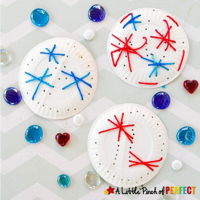 Make paper plate fireworks with your kids this 4th of July for an easy and mess free firework craft. The step-by-step directions are easy and the kids will love making them. #kidsactivity #kidscraft #fourthofjuly #finemotor